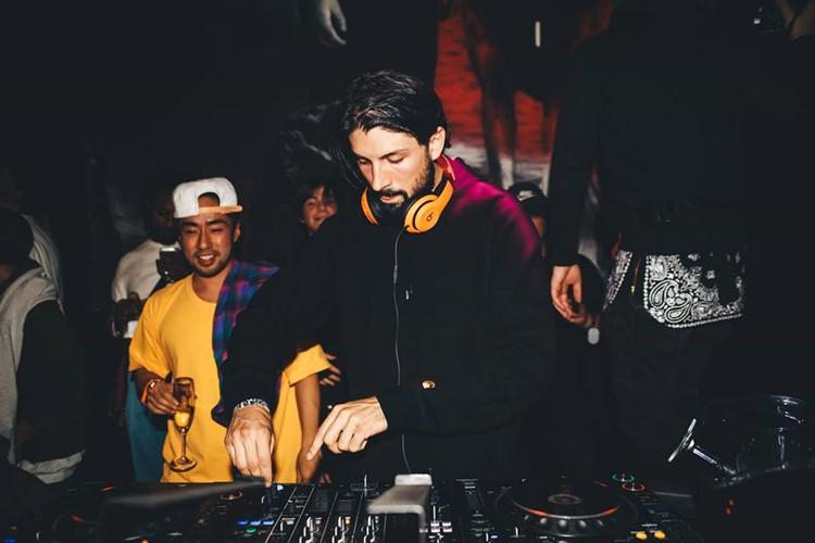 1oak nightclub Tokyo dj mixing music party