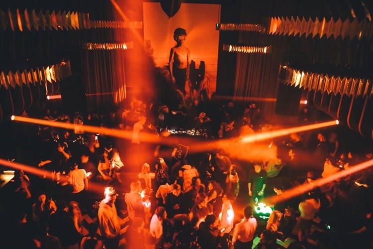 1oak nightclub Tokyo big event party show lights