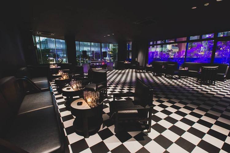 1oak nightclub Tokyo view of the lounge area drinks