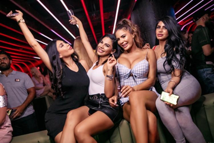 1OAK nightclub Dubai full night party brunette girls having fun