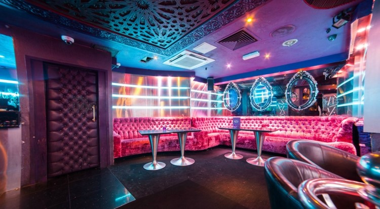 Party at The Mayfair Club VIP nightclub in London. Find promoters for guest list in Clubbable