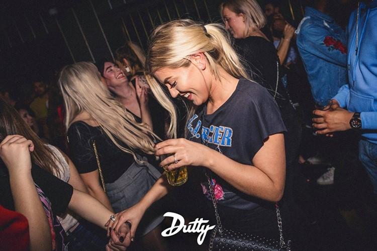 Abe nightclub Amsterdam blonde girls having fun
