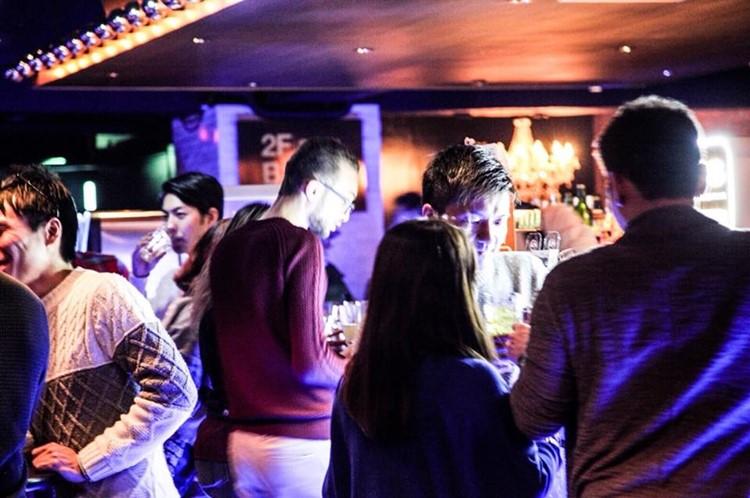 Alife nightclub Tokyo people at bar drinking