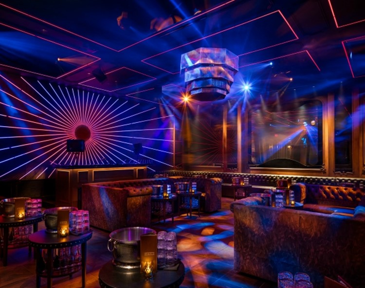 Party at Avenue VIP nightclub in Los Angeles. Find promoters for guest list in Clubbable