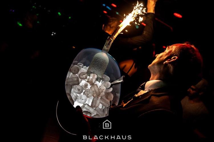 Blackhaus Club nightclub Madrid bottle service alcohol vodka champagne