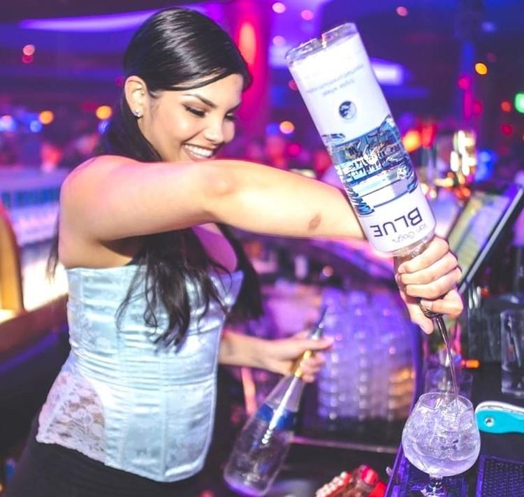 Blue Martini club Orlando party lounge drinks alcohol bottles