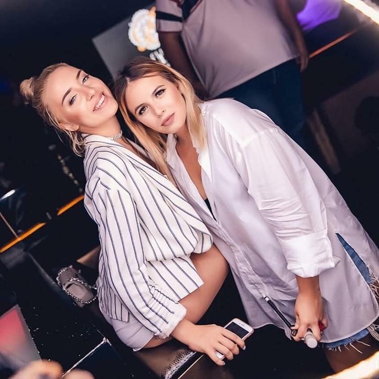 Boudoir Club nightclub Dubai sexy blonde girls partying fun