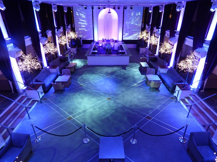 Party at Boulevard3 VIP nightclub in Los Angeles. Find promoters for guest list in Clubbable