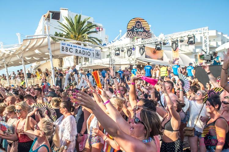Café Mambo club Ibiza people at concert