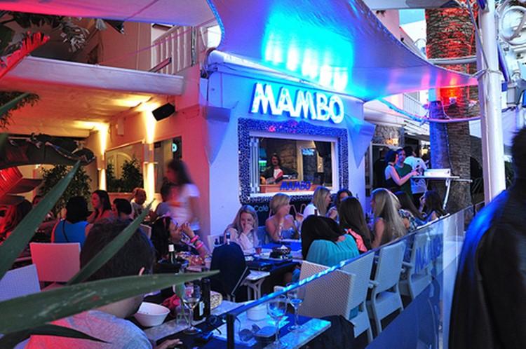 Café Mambo club Ibiza view of the bar