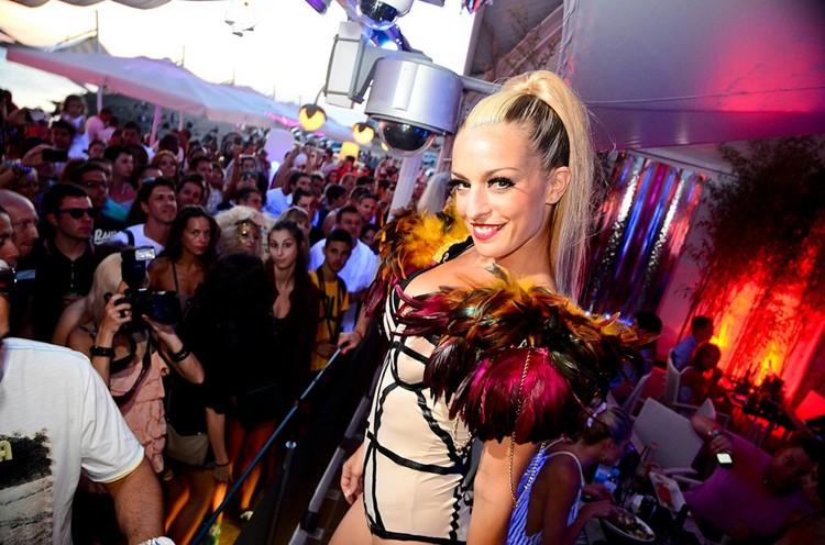 Café Mambo club Ibiza exotic dancer
