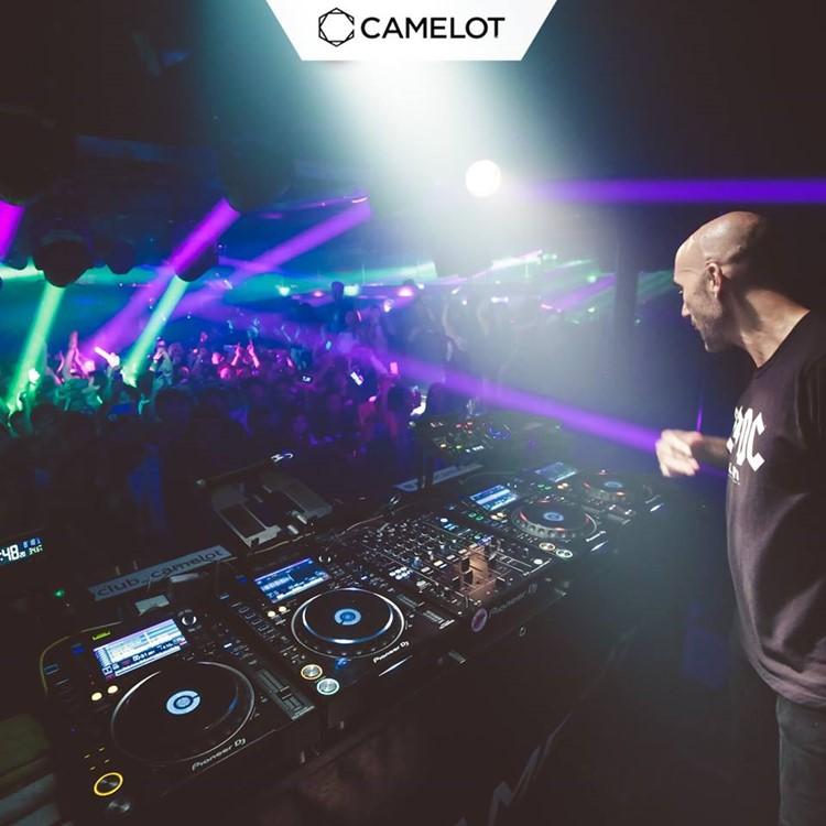 Camelot nightclub Tokyo dj mixing music crowd dancing