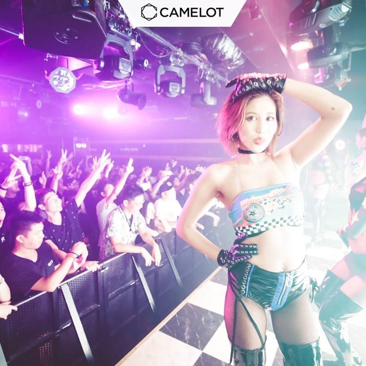Camelot nightclub Tokyo sexy dancer on stage