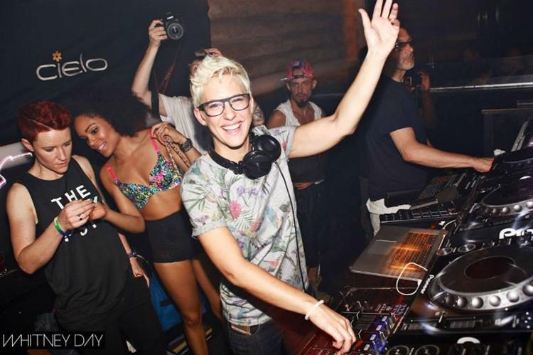 Cielo nightclub New York pretty girl dj