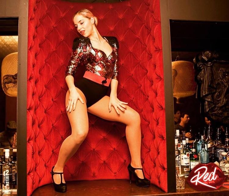 Club NL nightclub Amsterdam exotic dancer red night