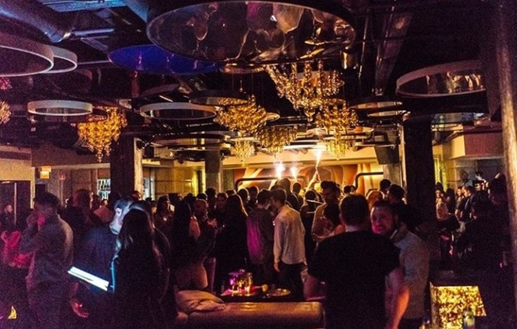 Cuvee nightclub Chicago big party event people socialising drinking