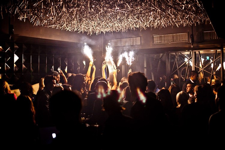 Party at DSTRKT VIP nightclub in London. Find promoters for guest list in Clubbable
