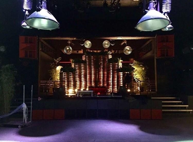 De Marktkantine nightclub Amsterdam main stage dj dancing area