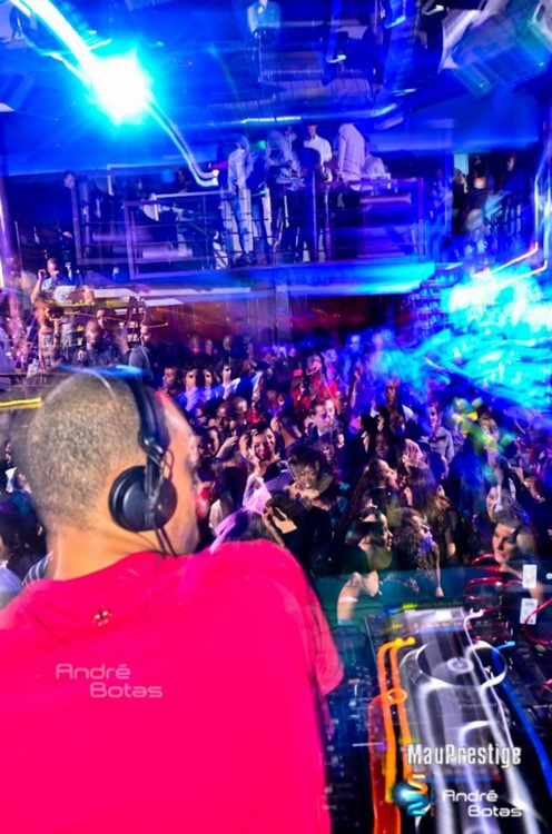 Docks Club nightclub Lisbon dj mixing music for big crowd
