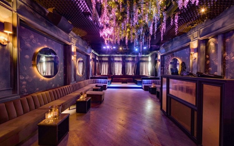 Party at Doux Supperclub VIP nightclub in New York. Find promoters for guest list in Clubbable