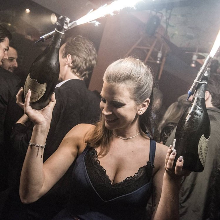 Party at End VIP nightclub in Stockholm. Find promoters for guest list in Clubbable