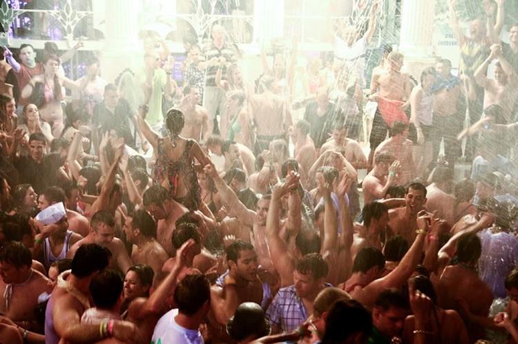 Es Paradis nightclub Ibiza crowd getting wet water shower show