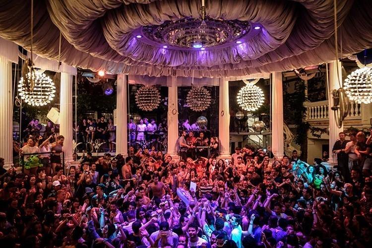 Es Paradis nightclub Ibiza