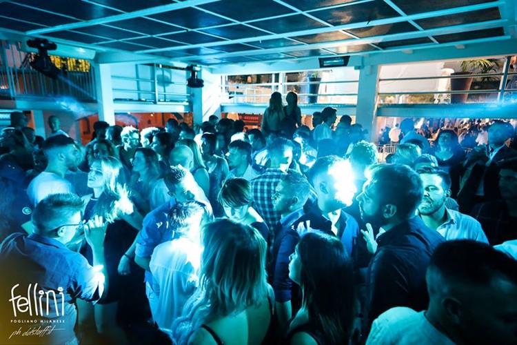 Fellini Club nightclub Milan crowd party