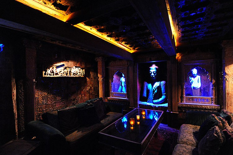 Party at Foundation Room VIP nightclub in Las Vegas. Find promoters for guest list in Clubbable