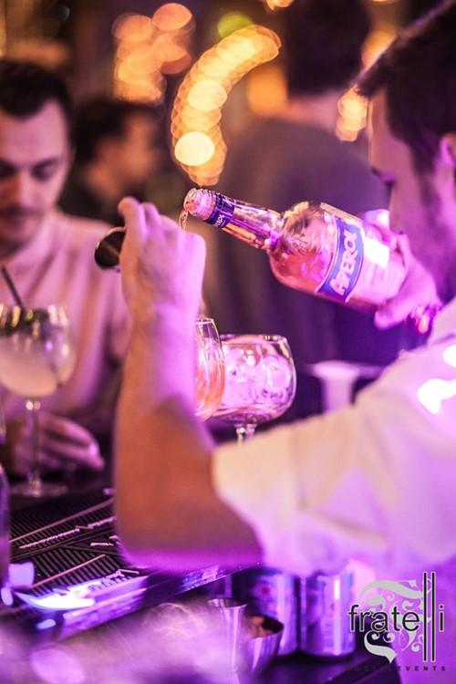 Fratelli Club nightclub Bucharest alcohol drinks barman vodka cocktails