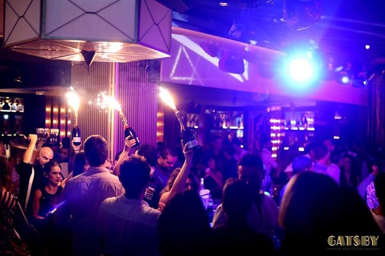 Gatsby Club nightclub Barcelona crowd party