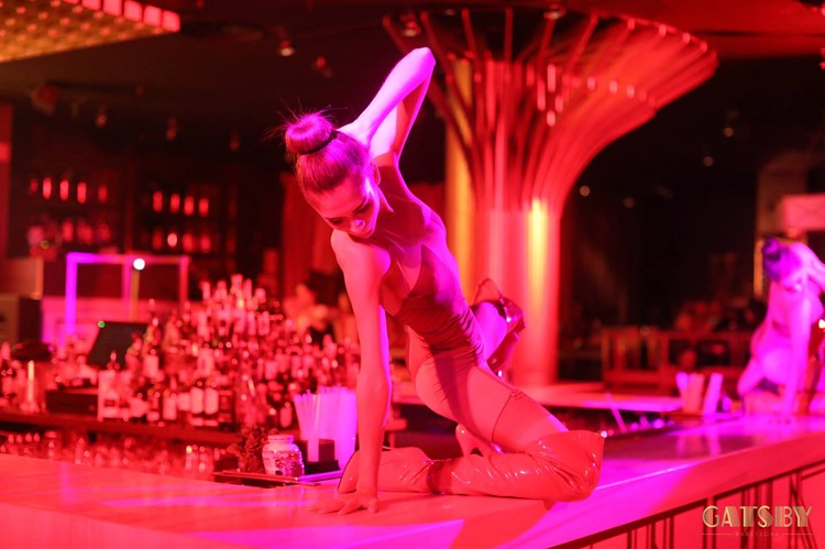 Gatsby Club nightclub Barcelona drinks exotic dancer on bar