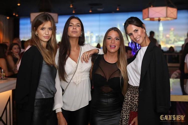 Gatsby Club nightclub Barcelona group of pretty women party drinks