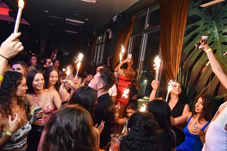 Harbor NYC club nightclub champagne parade fun celebration