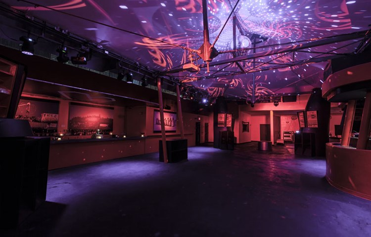 Party at Heart VIP nightclub in Miami. Find promoters for guest list in Clubbable