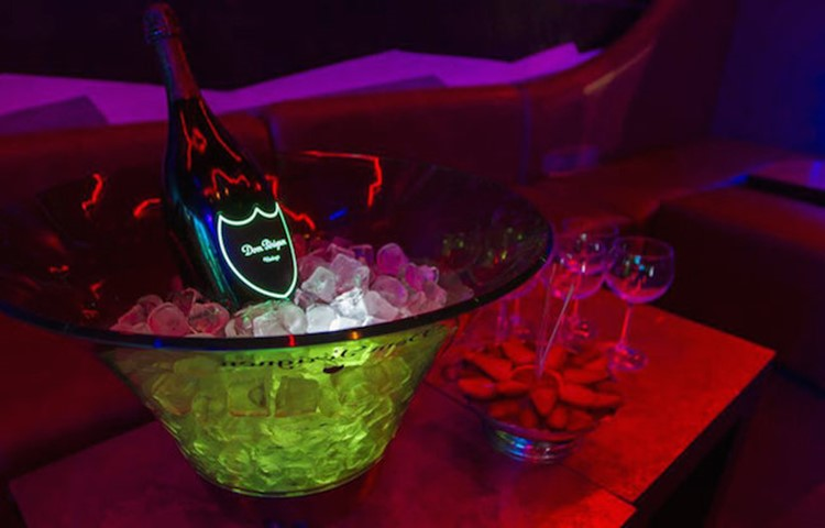Party at Hollywood Rythmoteque VIP nightclub in Milan