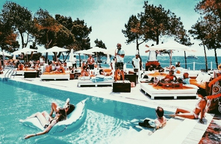 Hollywood-VIP-Pool-Party-by-Clubbable-Los Angeles