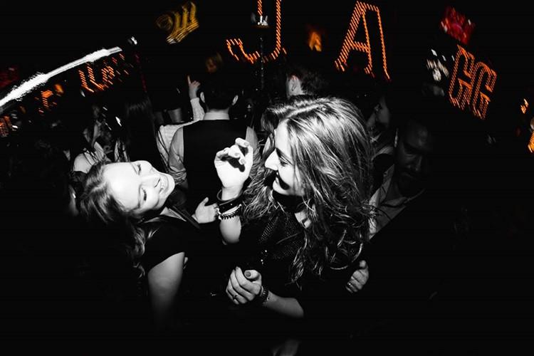 Jagger Bar nightclub Moscow girls dancing having fun