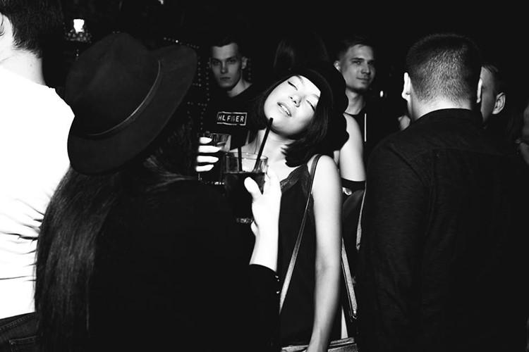 Jagger Bar nightclub Moscow pretty girl dancing