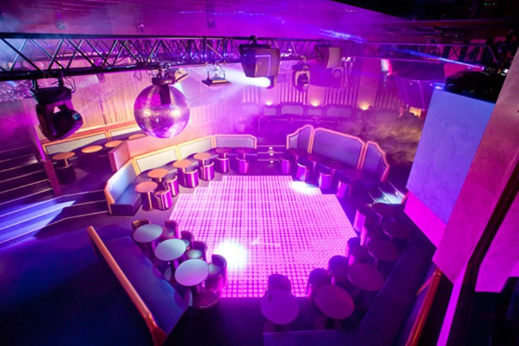 Party at Jimmyz VIP nightclub in Monaco. Find promoters for guest list in Clubbable