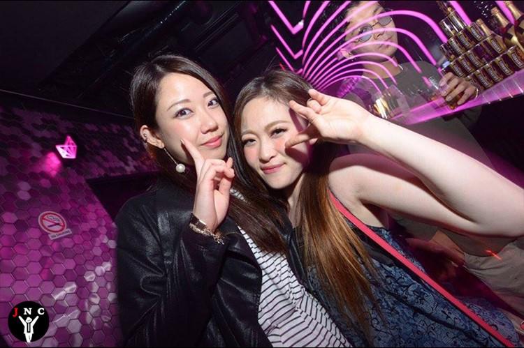 Kitsune nightclub Tokyo girls having fun cute