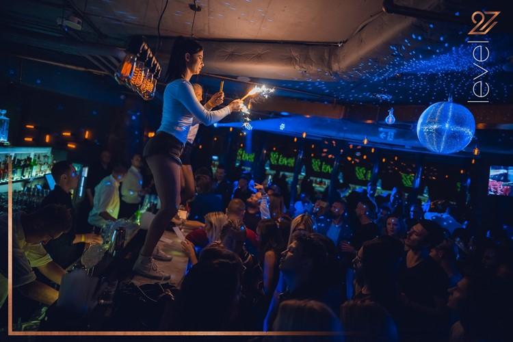 Level 27 Club nightclub Warsaw people having fun dancing partying