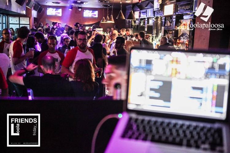 Loolapaloosa nightclub Milan party dj mixing music crowd