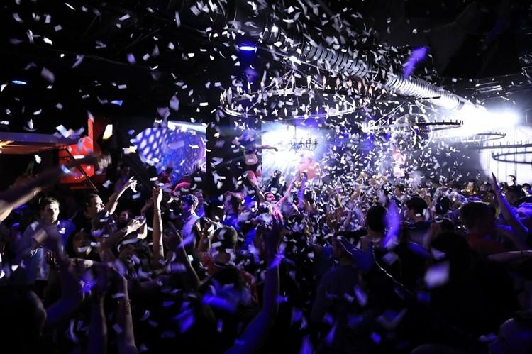 Love and Propaganda nightclub San Francisco big party event confetti people dancing