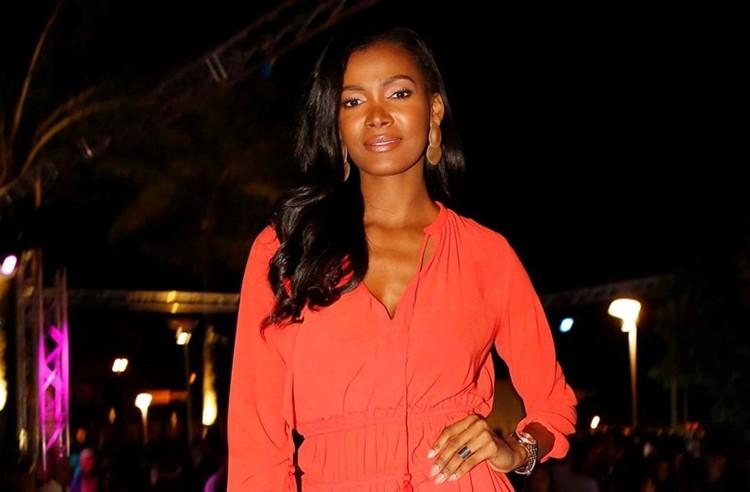 Lust in Rio nightclub Lisbon beautiful black girl brunette hair