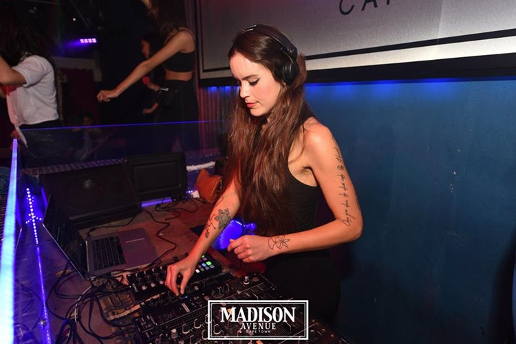 Madison Avenue Club nightclub Cape Town girls dance