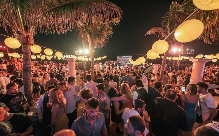 Mandala Beach Cancun Guest List Table