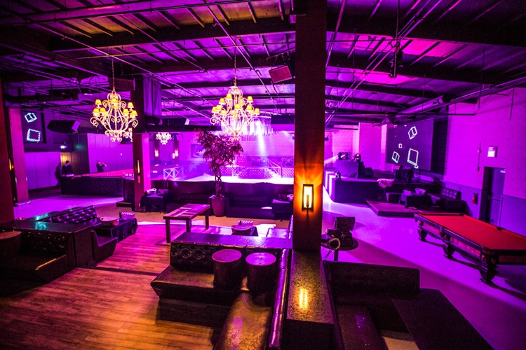 Party at Mansion VIP nightclub in Los Angeles. Find promoters for guest list in Clubbable
