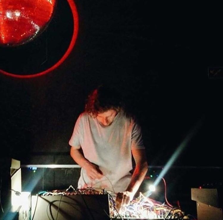 Ministerium nightclub Lisbon dj mixing music