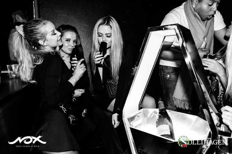 Nox and Sollihagen Club nightclub Oslo sexy blonde girls drinking alcohol drinks fun party
